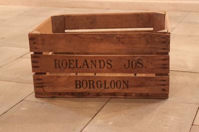 Kist van Roelands Jos om appels en peren in te transporteren