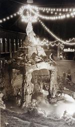 Foto: straatversiering: Onze-Lieve-Vrouw van Genade, Schorsmarkt (Virga Jessefeesten, Hasselt, 1947)