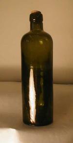 Jeneverfles in donkergroen glas, ca. 1900-1940