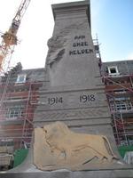 Gedenkzuil ter ere van de gesneuvelden uit deelgemeente Huizingen