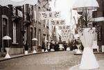 Foto: straatversiering: Dorpsstraat (Virga Jessefeesten, Hasselt, 1947)