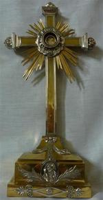 Kruis met reliek H-kruis