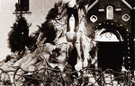 Foto: straatversiering: Boonefantenstraat - Paardsdemerstraat (Virga Jessefeesten, Hasselt, 1947)
