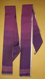 Vier paarse stola's