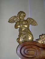 engelen bij hoofdaltaar (twee stuks)