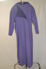 Drie paarse processiegewaden