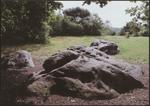 Zonhoven, Holsteen. De Holsteen, een verzamelnaam voor acht reusachtige zandstenen, is één van de oudste getuigen van bewoning in de provincie Limburg. Deze stenen werden gevormd door zeeafzetting. Tijdens het neolithicum, van 2500 tot 2000 voor Christus, werd één van deze stenen gebruikt als polijststeen voor het polijsten van benen en stenen gebruiksvoorwerpen