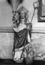 H. Nicolaas van Myra met kuip met drie kinderen