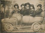 5 vrouwen op Molen Ter Heide kermis