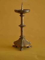 Set van vier altaarkandelaars