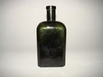 Vierkante bitterfles in groen glas, ca. 1900-1950