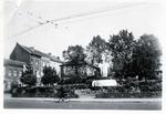 Foto: straatversiering: Heilig Paterke en O.L.V. Virga Jesse: Dorpsstraat - Thonissenlaan (Virga Jessefeesten, Hasselt, 1947)