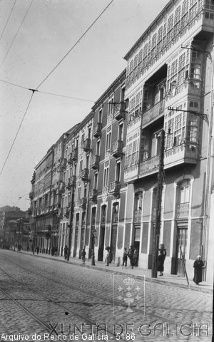 A Coruña: rúa Fernández Latorre