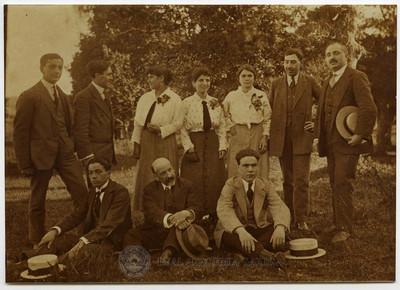 El poeta D. Jesús Rodríguez López, autor de 'El Chufón' y el cuadro artístico que lo puso en escena. 1916
