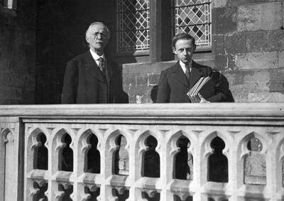Carillonneur - Karel De Mette en zijn zoon Robert, beiaardiers te Aalst