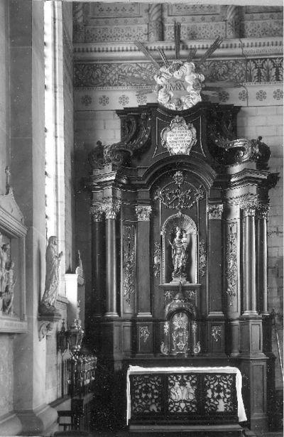 Zijaltaar toegewijd aan Maria