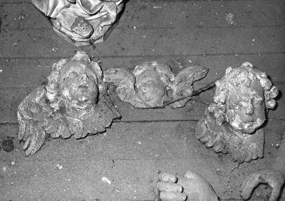 beeldfragmenten drie engelenkoppen