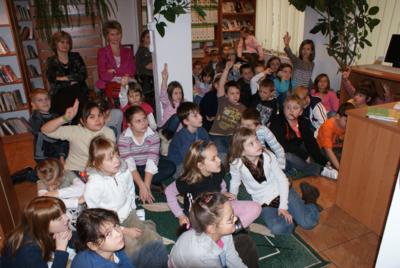Przystanek odkrywanek : spotkania autorskie z Grzegorzem Kasdepke - oddział dla dzieci MBP w Białej Podlaskiej, 17.11.2009 r.