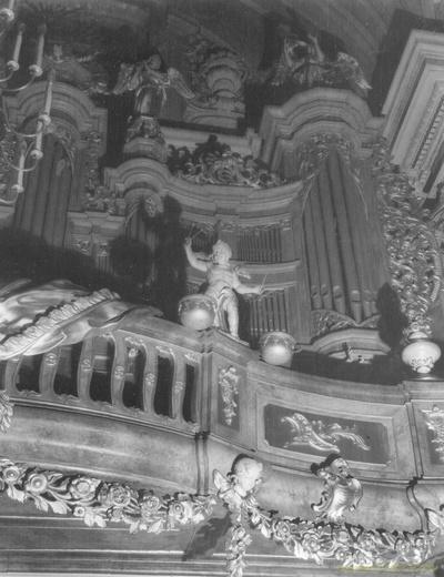 Organy w kościele św. Anny w Warszawie