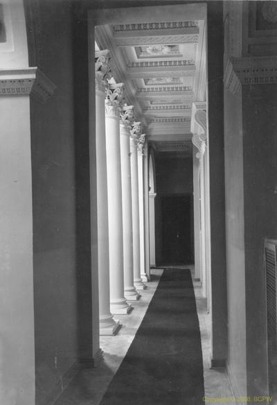 Portyk Pałacu Łazienkowskiego w Warszawie