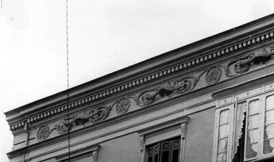 Friso de vivienda en Plaza del Teatro [Material gráfico]