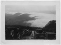 Vue prise du Temple de Mercure : La chaîne des Puys dans les nuages