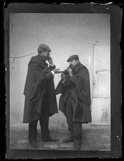 Retrato de dos caballeros fumando