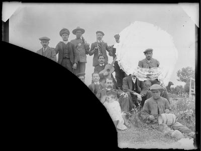 Retrato de grupo en jornada de caza