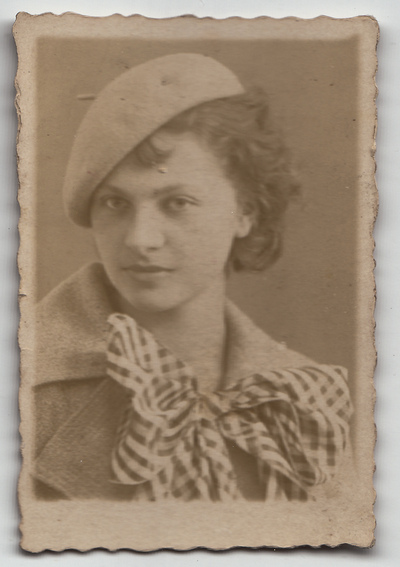 Portret młodej kobiety