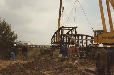 Abbau der alten Straßenbrücke Nr. 314, Wassel - Wehmingen/Mittellandkanal