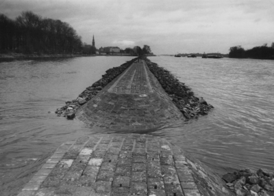 Pflasterung Erbacher Leitwerk/Rhein