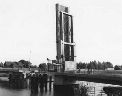 Neue Störbrücke in Heiligenstedten