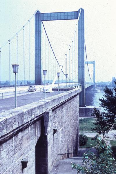 Autobahnbrücke Köln-Rodenkirchen/Rhein