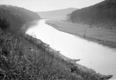Weserlandschaft bei Holzminden 1953