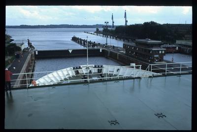 Schleusentor und Vorhafen Holtenau/Nord-Ostsee-Kanal (NOK)