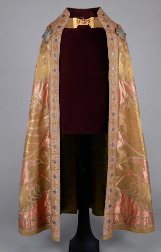 Der Mantel des Ornats Kaiser Franz I. Stephan von Lothringen (Barockkopien nach den Gewändern des Krönungsornates des Heiligen Römischen Reiches)
