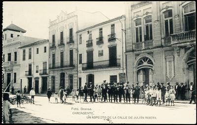 Un aspecto de la calle de Julián Ribera [Material gráfico]: Carcagente