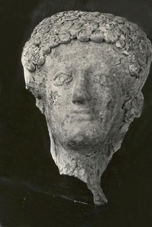 Cap masculí d'una estatua del segle VI a.C.
