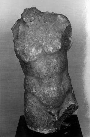 Tors masculí d'una estatua romana.