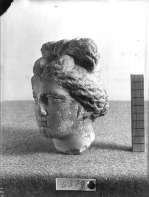 Reproducció romana d'estil grec d'un cap femení.