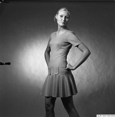 porträtt, långthår, mode, modeller, klänningar, modell, kvinnor, kläder, klänning, kvinna