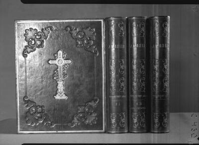bok, bibel, bokband, Biblia, Thet är All then Heliga Skrift På Swensko.