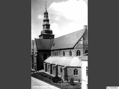 stadsgata, gatubelysning, kyrka, staket