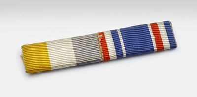 Geel wit grijs rood wit blauwe baton.