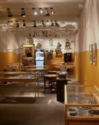 Zonder wrijving geen glans. Nederlandse sieraden uit de 20ste eeuw
