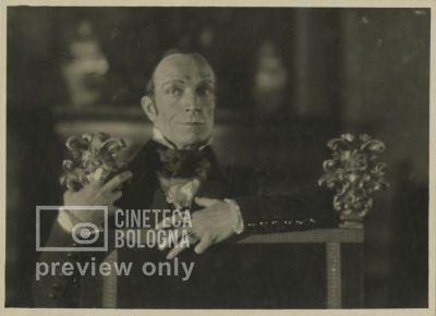 Carmine Gallone. La cavalcata ardente. 1925