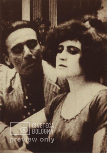 Elvira Notari. E' piccirella. 1922