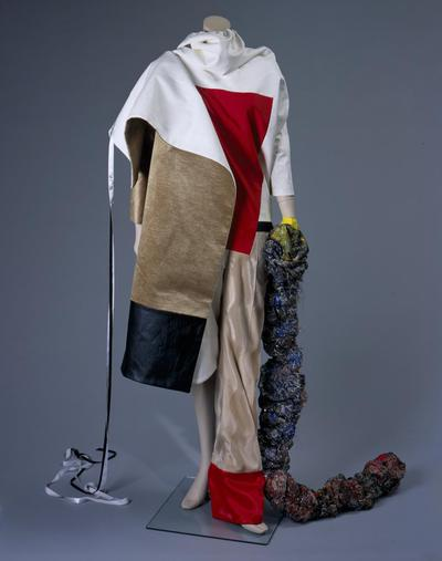 Damesensemble voor Robijn Fashion Award 1997 'Caught in colour'