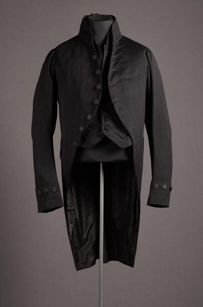 Herenensemble bestaande uit jasje, broek en vest