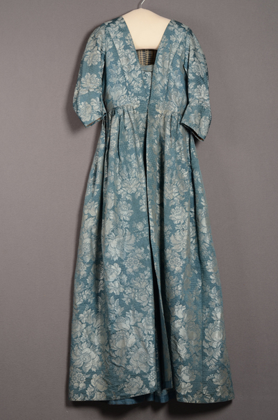 Robe à l'anglaise bestaande uit overkleed en tablier